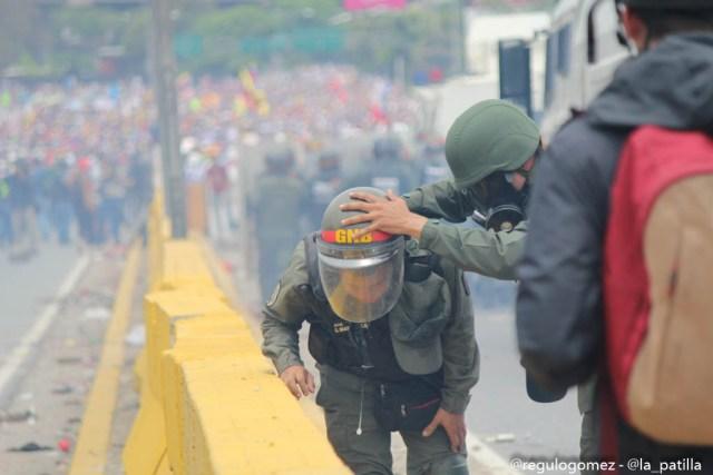 Represión en la Autopista Francisco Farjardo (11)