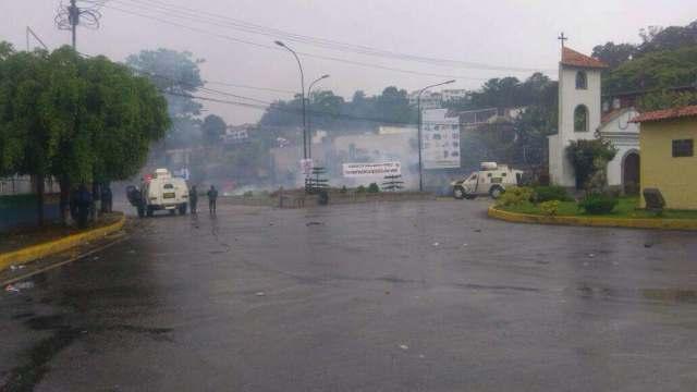 Represión en Altos Mirandinos / Foto La Patilla