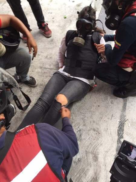 Andrae Sandoval recibió un impacto de bomba lacrimógena (Foto: La Patilla)