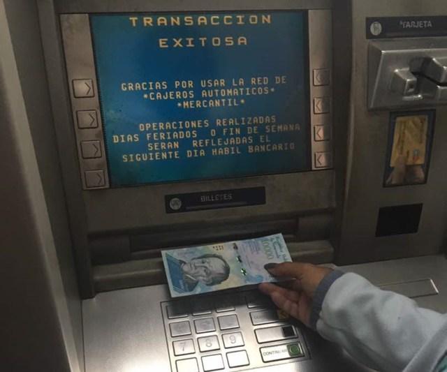 Cajeros Automáticos dispensan billetes nuevo