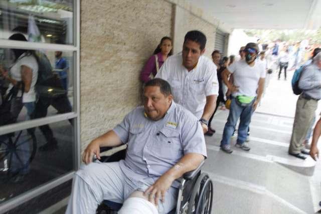 Diputado José Brito herido en Bello Monte. Foto / @cranos_77