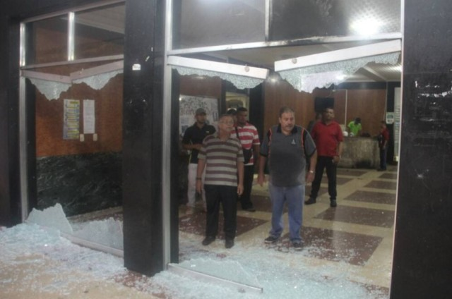Destrozos en la alcaldía de Valera, estado Trujillo / Foto @Enrique_fcb10