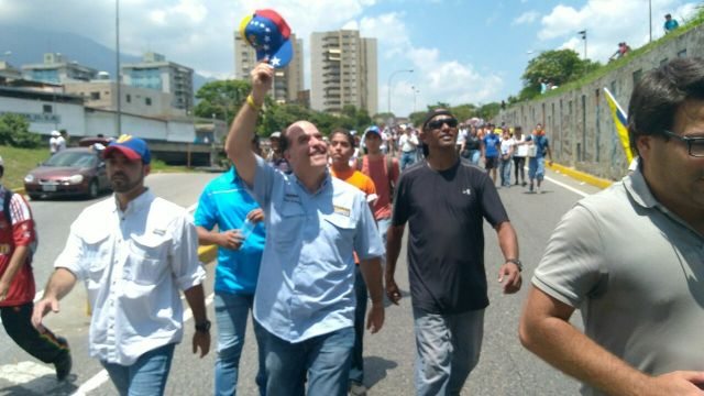 El presidente de la AN, Julio Borges acompañó a la manifestación opositora de este miércoles en Caracas