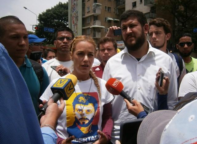 Lilian Tintori, esposa de Leopoldo López acompañó a los galenos en la movilización en Caracas
