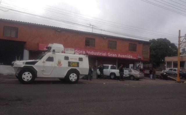 Tanqueta en San Cristóbal, estado Táchira / Foto @AnnieDuarteNews