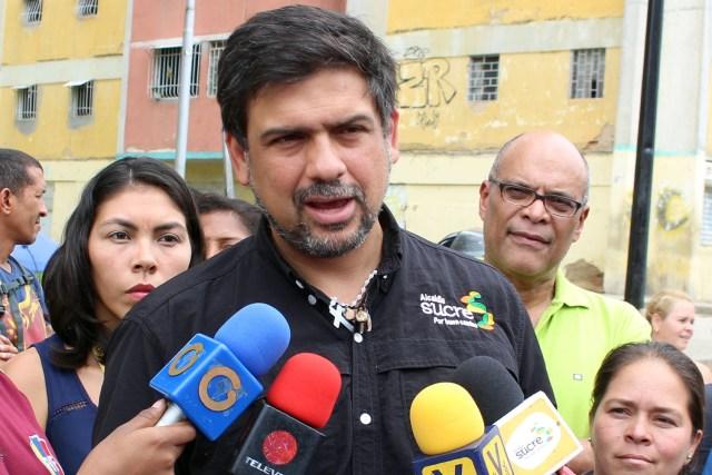 El alcalde del municipio Sucre, Carlos Ocariz