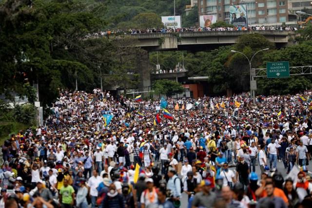 Opositores marchan en Caracas en contra del Gobierno del presidente Nicolás Maduro, Venezuela, 31 de mayo de 2017. REUTERS/Carlos Garcia Rawlins