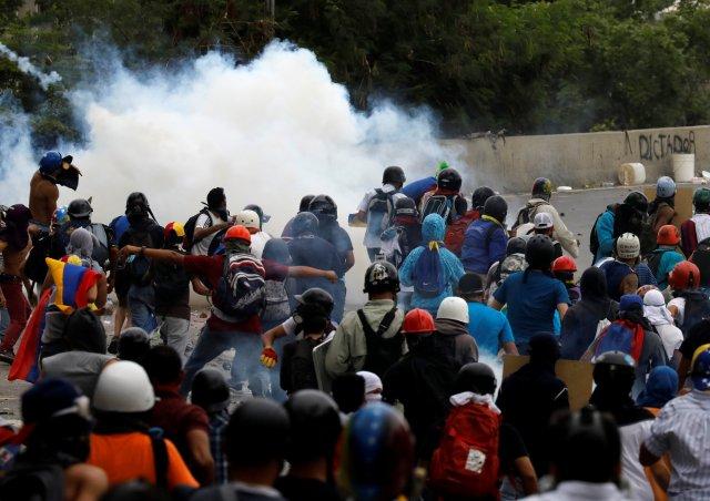 El diputado a la AN, Juan Guaidó hizo la invitación a extender la actividad. REUTERS/Carlos Garcia Rawlins