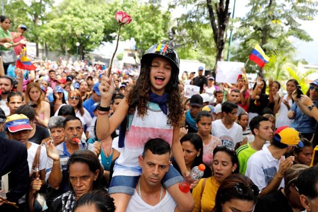 Alejandra Lander, hermana de Neomar Lander. REUTERS/Carlos Garcia Rawlins