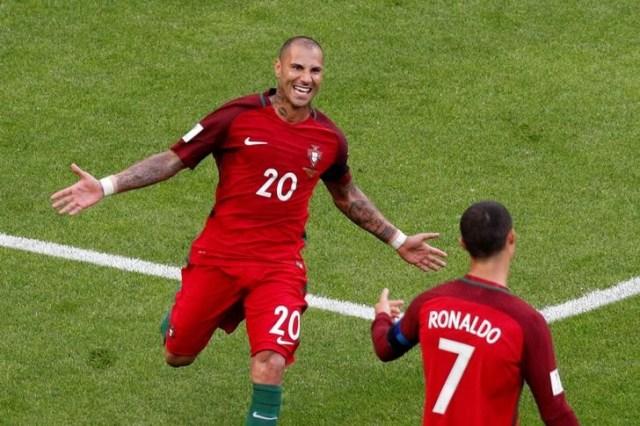 El delantero de Portugal Ricardo Quaresma celebrando con Cristiano Ronaldo (Foto: Reuters)