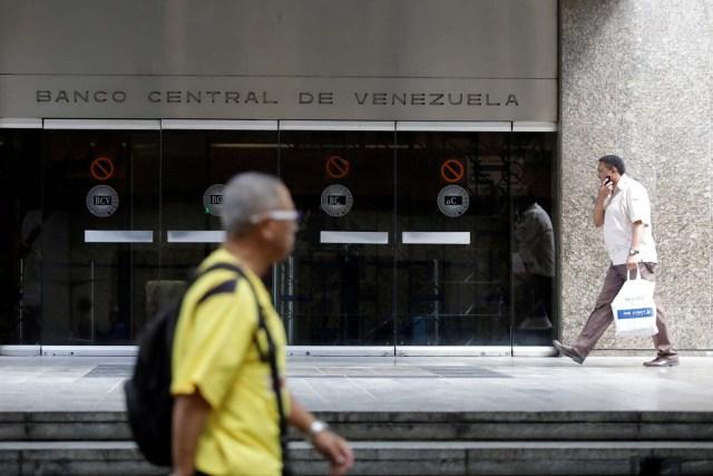 Lo que calla Maduro: Hasta la tasa Dicom evidencia que el nuevo aumento mantiene a Venezuela en la pobreza
