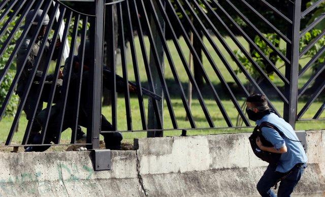 El joven fue asesinado mientras se encontraba en una manifestación frente a La Carlota. REUTERS/Carlos Garcia Rawlins