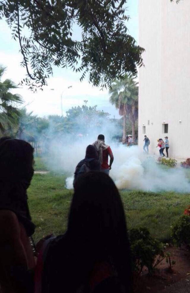Represión en la URU / Zulia / Foto: @AleReportando