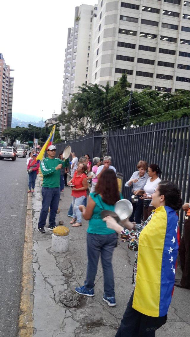 Cacerolazo en Caracas / Foto: @Yamiletfv
