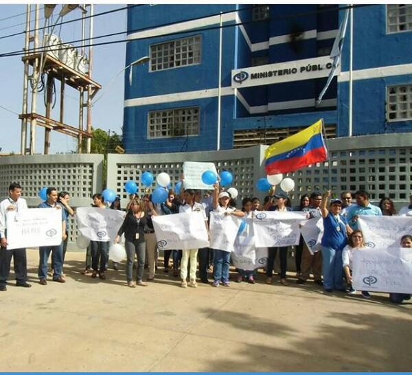 Foto En Sucre también se manifestaron desde la sede del Ministerio Público / Cortesía