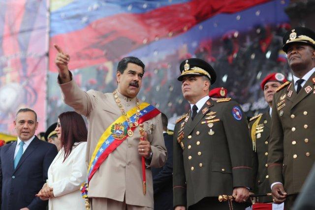 Foto: El Presidente de la República Nicolas Maduro junto al Ministro de Defensa Vladimir Padrino López / Prensa presidencial