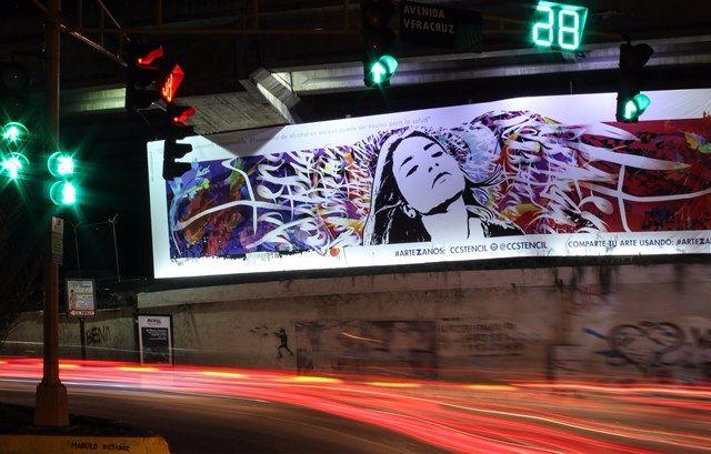 Valla Ccstencil Final de avenida principal Las Mercedes - Caracas Fotografía por Regulo Gomez