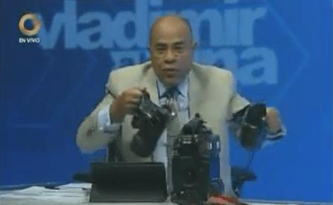 El periodista Vladimir Villegas muestra cómo quedó el equipo de Globovisión tras agresión por parte de la GNB