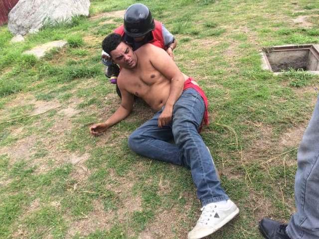 La GN intentó llevarse detenido a un manifestante en la Fajardo. Foto: Gabriela Gómez / LaPatilla.com