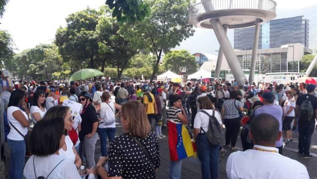 Manifestantes se concentran en Las Mercedes (Foto: Eduardo Ríos/LaPatilla)