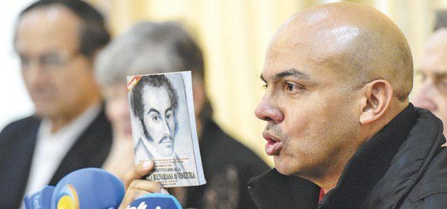 El mayor general retirado del Ejército Clíver Alcalá Foto: AFP