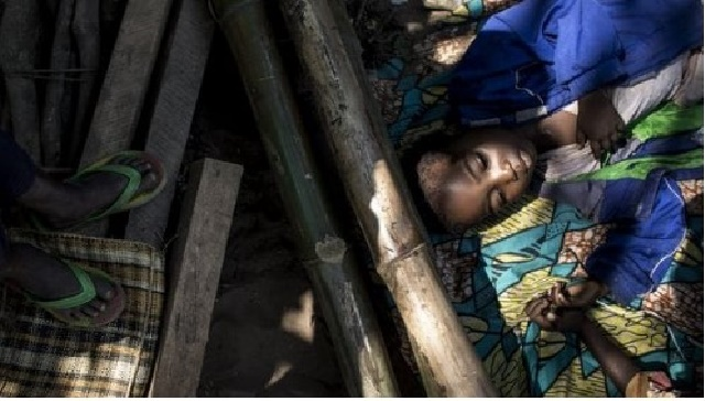 Cientos de miles de desplazados son niños, muchos de ellos, huérfanos