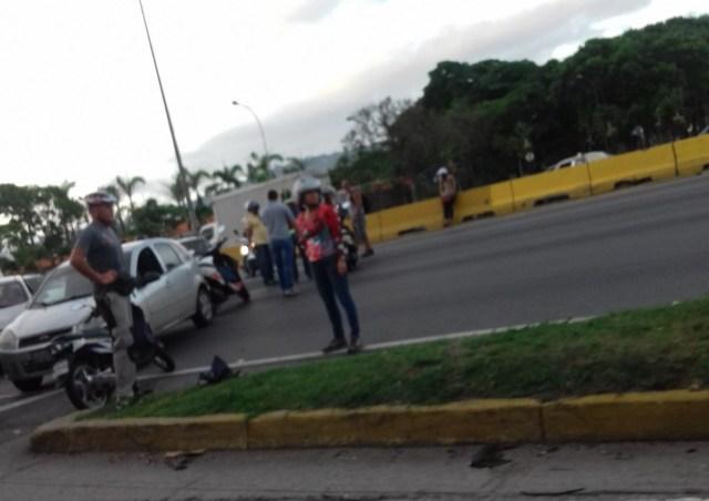 Distribuidor Altamira cerrado este #5Jun / foto @Perrendengo1