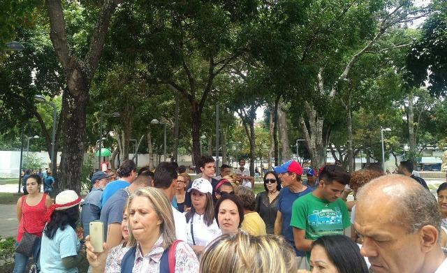 Foto: Vecinos de la Candelaria protestan frente al Ministerio Público / Carlos Rojas