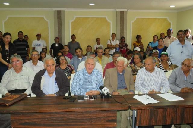 Wuilker Fariñez, Ronaldo Peña, Ronaldo Chacón, José Rafael Hernández y Williams Velásquez asistieron al evento en nombre de la selección (Foto: Empresas Polar)