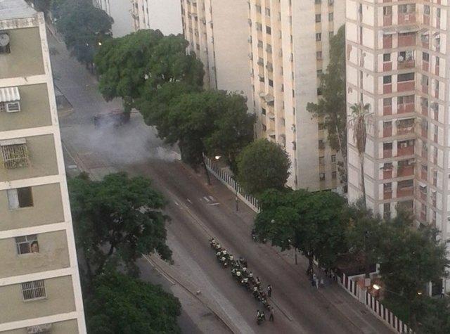 En Los Jardines del Valle continúa la represión. Foto: @Gemj1879