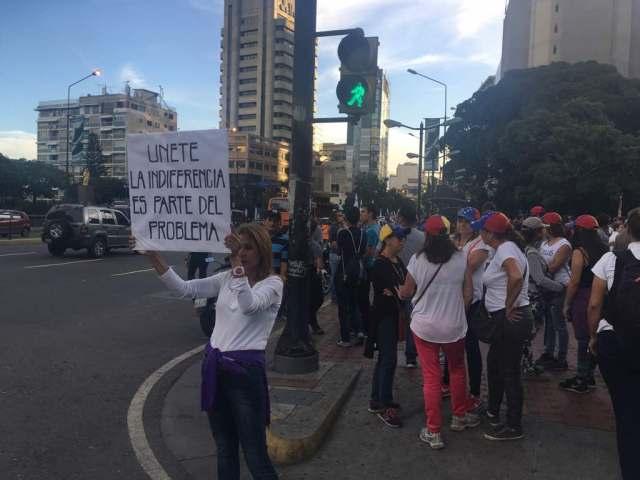 Marcha nocturna hacia la OEA. Foto: Eduardo de la Concha /lapatilla