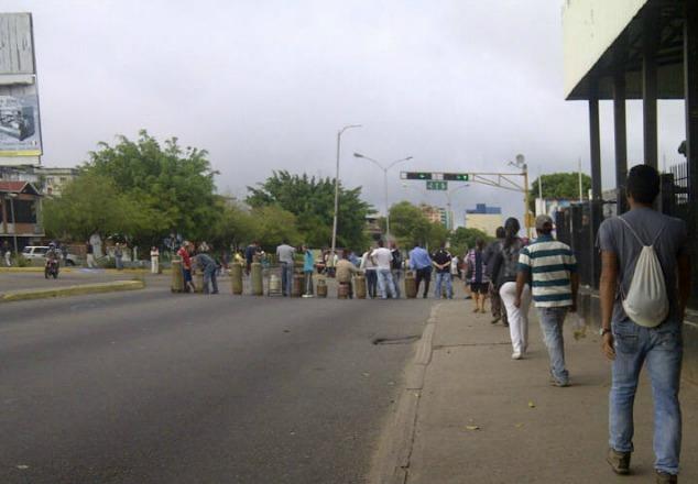 Foto: Protesta por gas doméstico cierra el paso en el viaducto viejo de San Cristóbal / Táchira News?