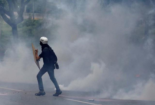 Cuerpos de seguridad redoblan la represión en las marchas. La resistencia sigue. REUTERS/Carlos Garcia Rawlins