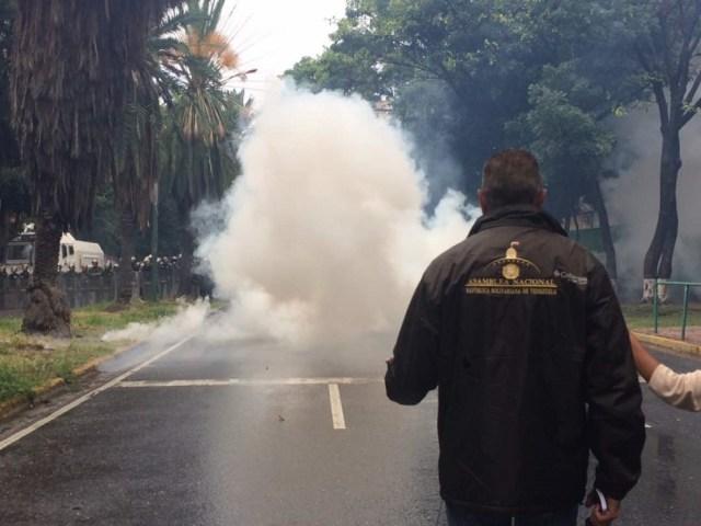Richard Blanco, diputado ante la AN, durante la represión de este #10Jun en Montalbán / Foto Prensa