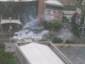 Lanzan bombas lacrimógenas en las adyacencias del Sambil Caracas #28Jun