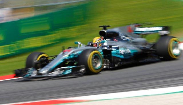 El piloto británico Lewis Hamilton (McLaren). REUTERS/Dominic Ebenbichler