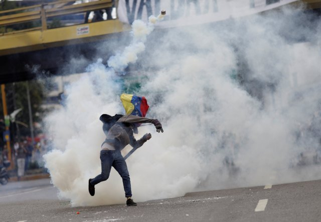 La represión se mudó a Las Mercedes. REUTERS/Ueslei Marcelino