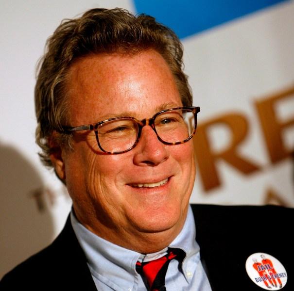 PBX17 LOS ANGELES (EEUU) 12/12/2007.- El actor estadounidense John Heard, posa a su llegada al estreno de la película 'The Great Debaters' ('Los grandes oradores') en Los Angeles, California (EEUU), el 11 de diciembre. La película se basa en la historia real de un grupo de estudiantes afroamericanos de una universidad modesta en Texas que se llegaron a convertir en un grupo de debate de élite. EFE/Paul Buck