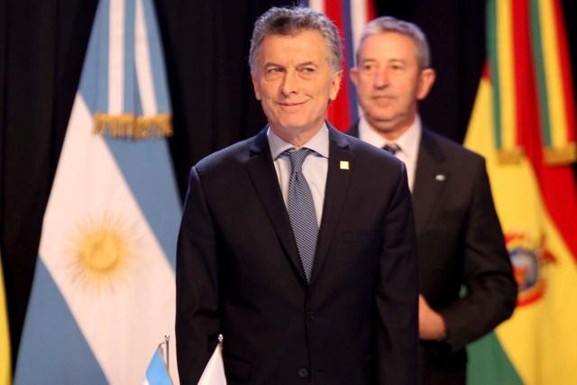 ARG06. MENDOZA (ARGENTINA), 21/07/2017.- El presidente de Argentina, Mauricio Macri, asiste a la inauguración de la cumbre semestral de jefes de Estado del Mercado Común del Sur (Mercosur) hoy, viernes 21 de julio de 2017, en Mendoza (Argentina). Los jefes de Estado del Mercado Común del Sur (Mercosur) dieron hoy comienzo en la ciudad argentina de Mendoza (oeste) a la cumbre semestral del bloque después de un año y medio sin citas presidenciales. EFE/Alberto Ortiz