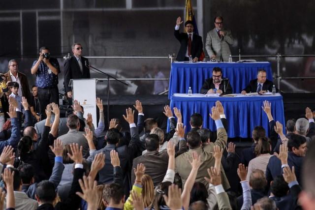 CAR13. CARACAS (VENEZUELA), 21/07/2017.- Vista general de una sesión de la Asamblea Nacional de Venezuela hoy, viernes 21 de julio de 2017, en Caracas (Venezuela). El Parlamento venezolano, de mayoría opositora, eligió hoy a 33 nuevos magistrados del Tribunal Supremo de Justicia (TSJ), en una decisión no reconocida por el Gobierno y por los jueces en ejercicio de esta alta corte cuya legitimidad ha dejado de reconocer la Cámara. EFE/Miguel Gutiérrez