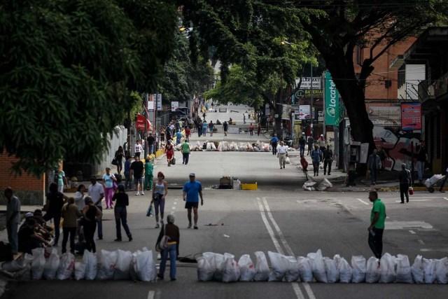 CAR07. CARACAS (VENEZUELA), 26/07/2017.- Vista de calles, avenidas y autopistas parcialmente vacías hoy, miércoles 26 de julio de 2017, durante el comienzo de la huelga general de 48 horas en Caracas (Venezuela). La oposición venezolana ha convocado a una huelga general de 48 horas en todo el país que se inicia hoy como parte de las manifestaciones en contra de la Asamblea Nacional Constituyente que impulsa el Gobierno para cambiar la Carta Magna. EFE/Miguel Gutiérrez