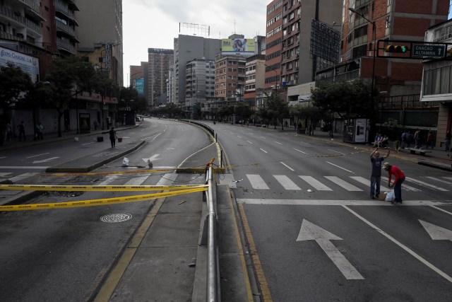CAR18. CARACAS (VENEZUELA), 26/07/2017.- Vista de calles, avenidas y autopistas parcialmente vacías hoy, miércoles 26 de julio de 2017, durante el comienzo de la huelga general de 48 horas en Caracas (Venezuela). La oposición venezolana ha convocado a una huelga general de 48 horas en todo el país que se inicia hoy como parte de las manifestaciones en contra de la Asamblea Nacional Constituyente que impulsa el Gobierno para cambiar la Carta Magna. EFE/Miguel Gutiérrez