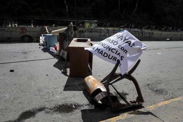 CAR21. CARACAS (VENEZUELA), 26/07/2017.- Vista de calles, avenidas y autopistas parcialmente vacías hoy, miércoles 26 de julio de 2017, durante la huelga general de 48 horas en Caracas (Venezuela). La oposición venezolana ha convocado a una huelga general de 48 horas en todo el país que se inicia hoy como parte de las manifestaciones en contra de la Asamblea Nacional Constituyente que impulsa el Gobierno para cambiar la Carta Magna. EFE/Miguel Gutiérrez