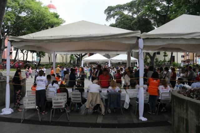 En Chacao participan en la consulta popular / Fotos Will Jiménez - La Patilla