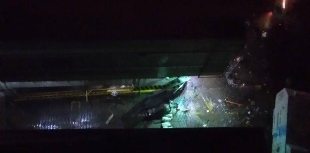 GNB tumbó el portón de las residencias Doral Caracas. Foto: @VanessaColl9