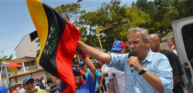"""Asegura el periodista que el pueblo no acatará a magistrados """"ilegales"""""""