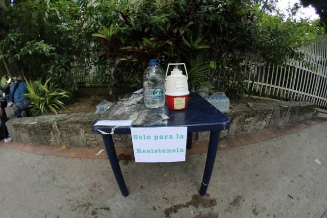 Foto: Los vecinos de El Cafetal montaron barricadas durante el Paro Nacional  / Foto Regulo Goméz LaPatilla.com
