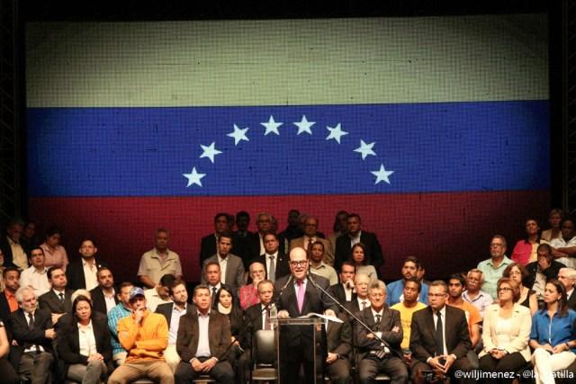 MUD sucribió documento desde el Centro Cultural Chacao para defender la vigencia de la Constitución Nacional y lograr la salida del gobierno. Foto: Will Jiménez