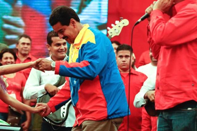Maduro-bailando