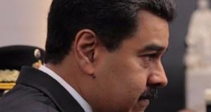 """Las miradas de """"no me abandonen"""" de Maduro a los militares ascendidos (fotodetalles)"""